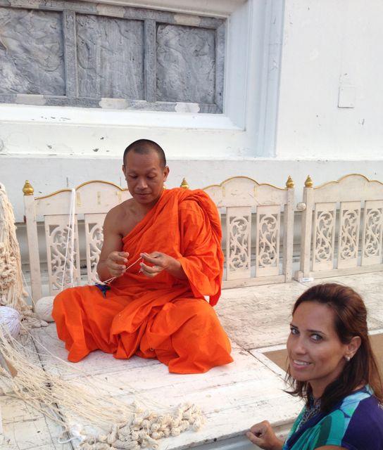 Não se pode estar a mesma altura de um monge budista.