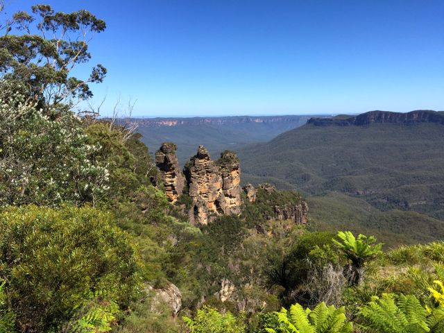 Australia-Blue-Mountains-Three-Sisters