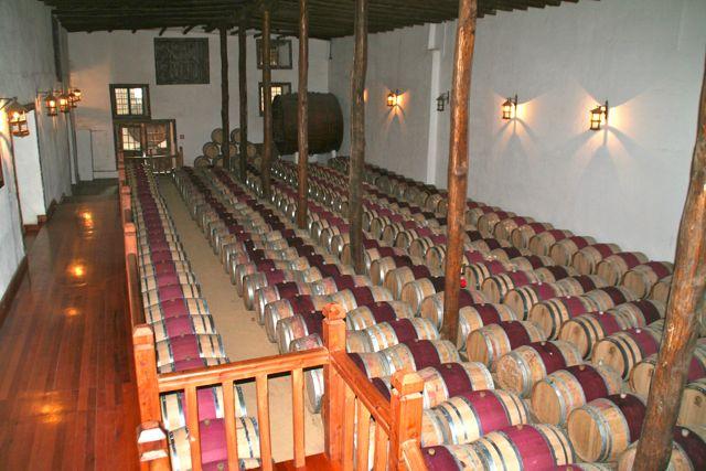A sala da guarda, vista diretamente do winebar