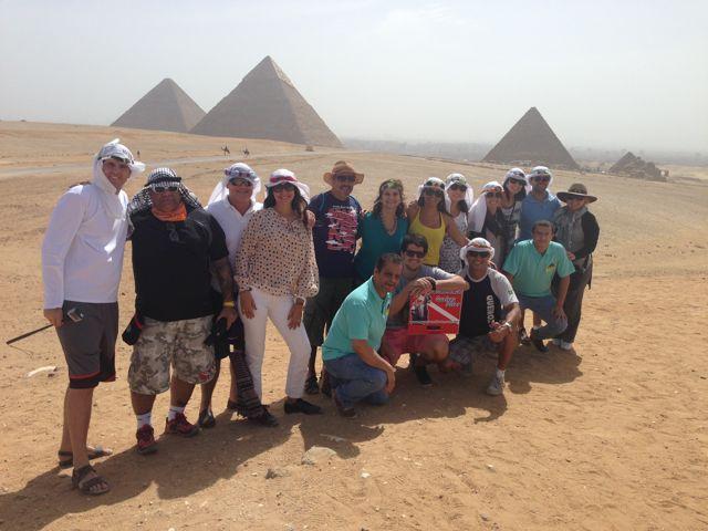 As pirâmides de Gizé, únicas sobreviventes das sete maravilhas do mundo antigo.