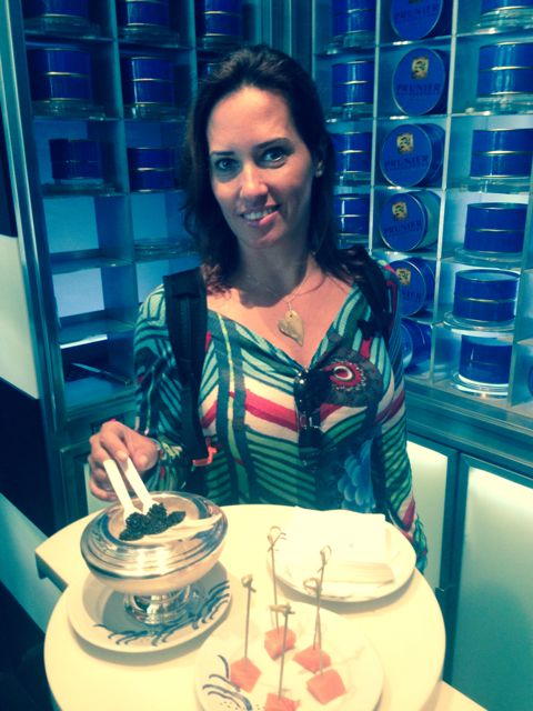 Degustando o caviar na Prunier