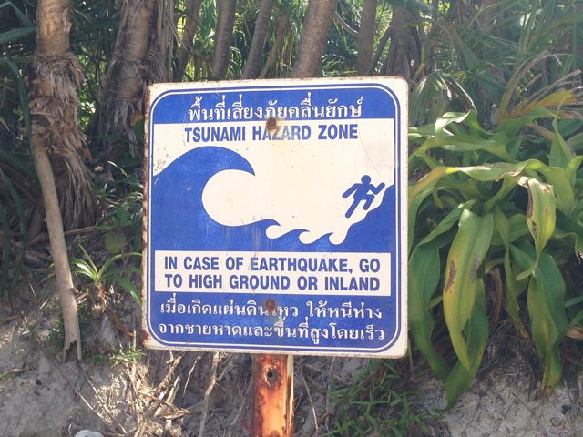aviso-tsunami-placas-Tailandia