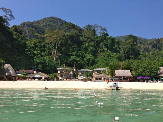 mama-beach-hotel-phiphi-island