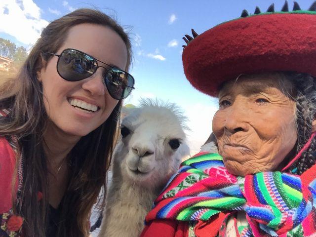 Peru-Lhama-Selfie-Cusco