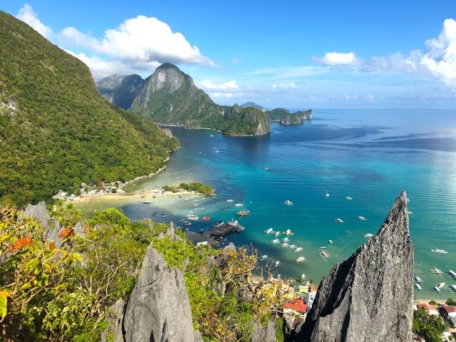 A pequena vila de El Nido de frente para o arquipélago mais lindo do mundo!