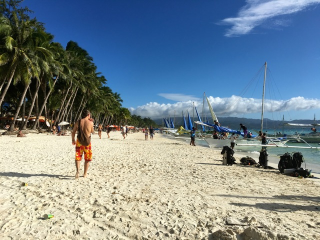 Boracay-white-beach-beautiful-paradise
