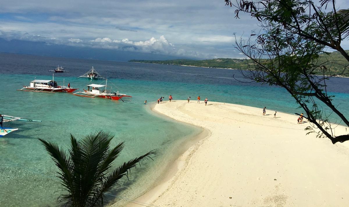 Curtindo a Ilha de Sumilon, Filipinas