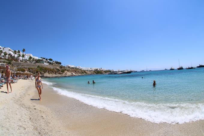 mykonos-psarou-nammos-beach