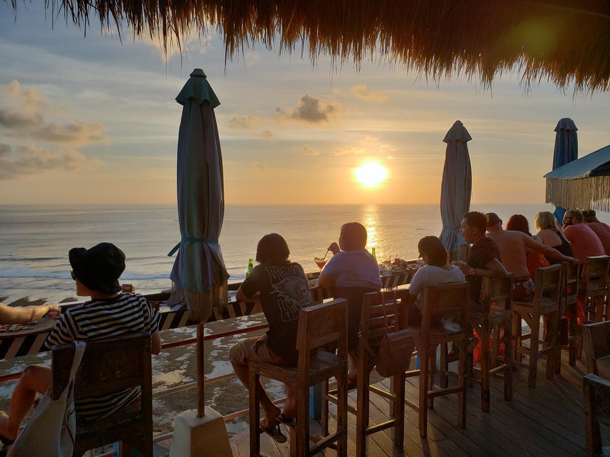 Single Fin Uluwatu Bali
