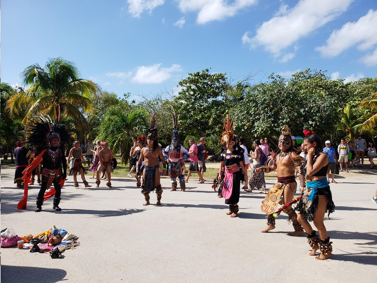 Dança maia tulum