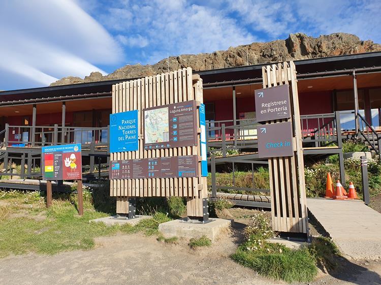 Laguna Amarga Torres del Paine