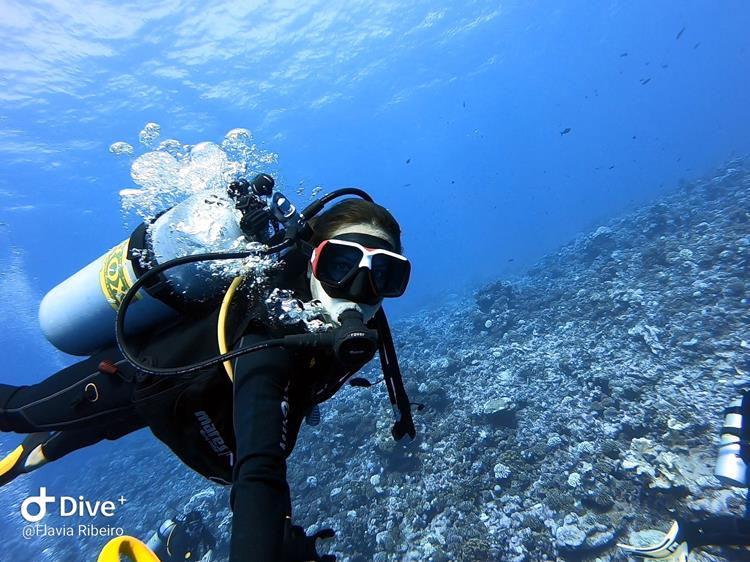 mergulho flavia ribeiro