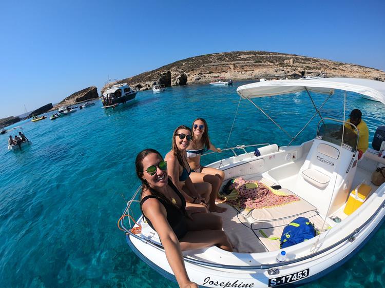 Ilha de Comino em Malta