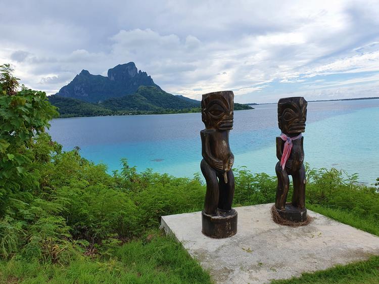 Tikis Bora Bora